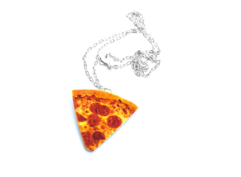 st_pizza_necklace_2
